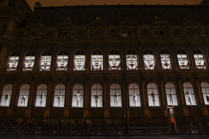 Nuit Blanche – Hôtel de Ville – Oeuvre de Erwin Olaf © Pierre Perusseau / BestImage.